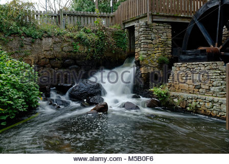 Wasserfall von der Plimouth Grist Mill in Plymouth, MA - Stockfoto