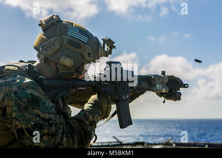 Us Marine Corps Kapitän Cory Moyer, platoon Commander mit dem Maritimen Raid-Kraft, 26 Marine Expeditionary Unit - Stockfoto