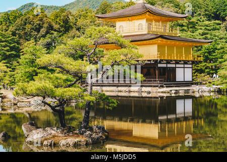 Kinkakuji Tempel detail (Goldener Pavillon) in Kyoto, Japan - Stockfoto