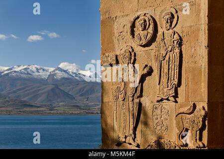 Die Reliefs an der Wand der alten armenischen Kirche des Akhtamar Akhtamar auf der Insel, See Van in der Provinz - Stockfoto