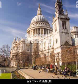 Die St Paul's Kathedrale am Ludgate Hill, London. Lage für die königliche Hochzeit von Prinz Charles und Lady Diana. - Stockfoto