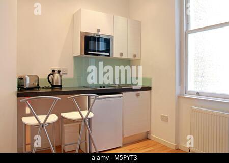 Minimalistische küche stockfoto bild: 276086872 alamy