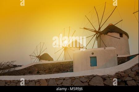 Windmühlen Insel Mykonos - Stockfoto
