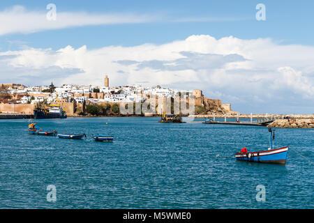 Fluss Bou Regreg Strandpromenade und Kasbah in Medina von