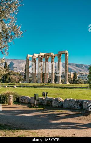 Tempel des Olympischen Zeus, Athen, tagsüber - Stockfoto