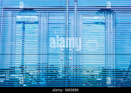 Abstrakte Muster in der Platte Glas Reflexionen erstellt