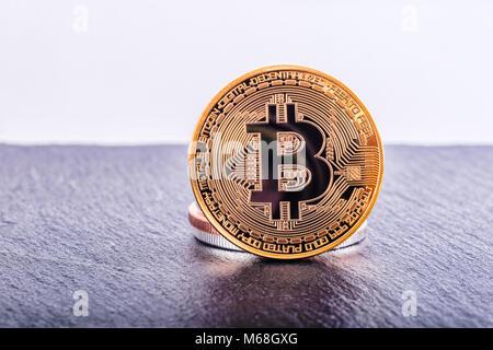 Bitcoin cryptocurrency goldene Münze - Stockfoto
