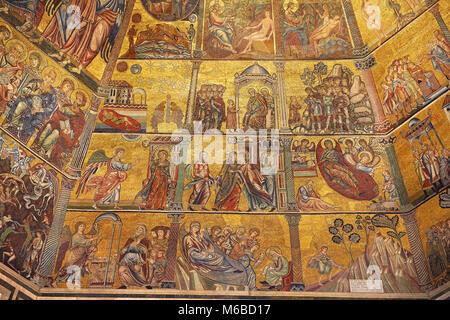 Die mittelalterlichen Mosaiken von der Decke des Baptisterium von Florenz (Battistero di San Giovanni) begann im - Stockfoto