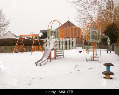 Klettergerüst Metall Spielplatz : Spielplatz metall klettergerüst stockfoto bild alamy