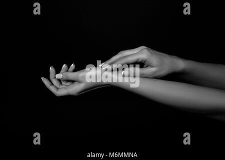 Schwarze und weiße Hände Kunst Fotografie - Stockfoto