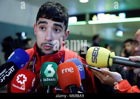Madrid, Spanien. 06 Mär, 2018. Spanisch Athlet Saul Ordonez (L), Bronzemedaille im 800 Meter, Adressen der Medien - Stockfoto