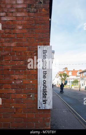Die Außerhalb In, Landschaftsfotografie und Artefakte shop in Wells-Next-The-Sea, North Norfolk, Großbritannien - Stockfoto