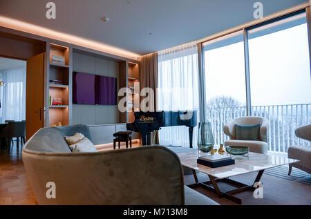 """07 März 2018, Deutschland, Hamburg: eine Suite des Hotel Fontenay"""" an der Hamburger Außenalster. Das Hotel wird - Stockfoto"""