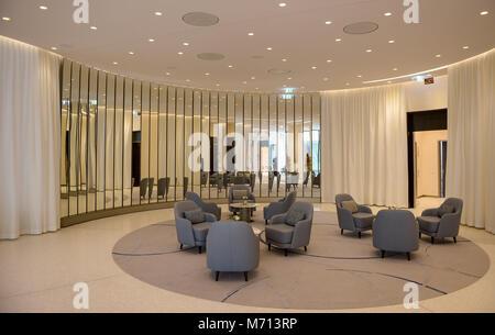 """07 März 2018, Deutschland, Hamburg: eine Business Lounge des Hotel Fontenay"""" an der Hamburger Außenalster. Das Hotel - Stockfoto"""