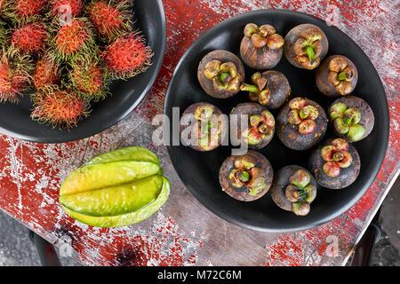 Bunte, exotische Früchte - Stockfoto