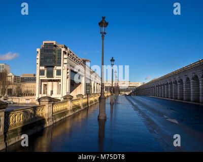 Bundesministerium der Finanzen, Pont de Bercy, Seine, Paris, Frankreich, Europa - Stockfoto
