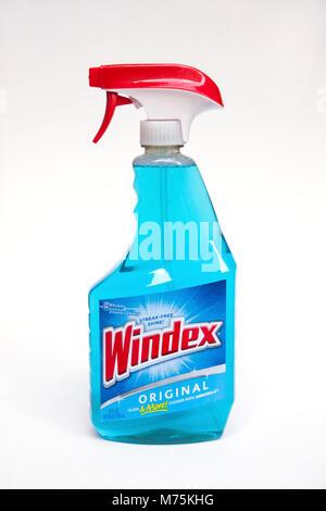 Plastik Spray flasche Windex, Original Glas- und Fensterreiniger. - Stockfoto
