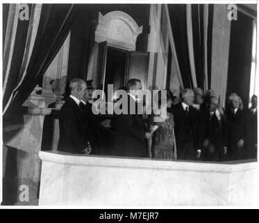 Präsident Calvin Coolidge und seine Frau Grace Goodhue Coolidge bei der Einweihung der 'Shrine' für die öffentliche - Stockfoto
