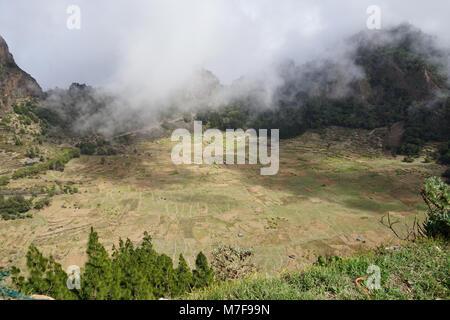 Blick in die Cova Krater, Cova Caldera, in der eastcentral Teil der Insel Santo Antao, Kap Verde - Stockfoto