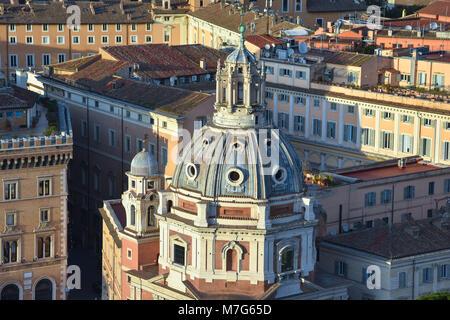 Kuppel der Kirche von Santa Maria di Loreto. Rom, Italien - Stockfoto