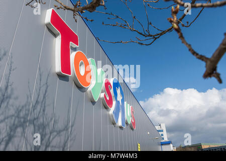 Toys R Us store, bevor es in Southampton, Hampshire, England, Großbritannien geschlossen. - Stockfoto