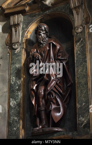 Hölzerne Statue des Hl. Rochus (1510) von dem deutschen Bildhauer Veit Stoß (Veit Stoß), die in der Basilika della - Stockfoto