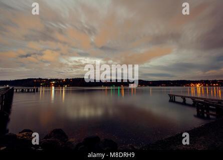 Hafen bei Dämmerung, Bainbridge, Washington, USA - Stockfoto