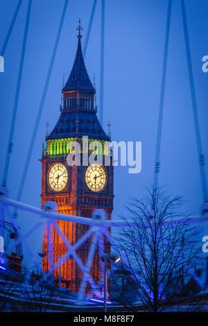 Big Ben Westminster London England UK im Abendlicht - Stockfoto