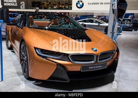 Genf, Schweiz - 7. MÄRZ 2018: BMW i8 Roadster Sportwagen auf dem 88. Internationalen Automobilsalon in Genf gezeigt. - Stockfoto