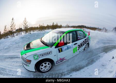 """Asbest, Russland, Februar 4, 2018 - 2. Phase der Russischen Cup Rallye 2018"""" Uralasbest 2018', Mitsubishi Lancer - Stockfoto"""