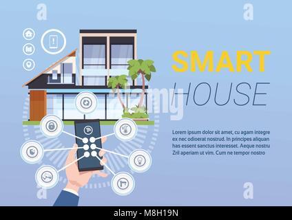 Smart Home Technologie der Kontrolle und Verwaltung mit Hände halten Smartphone - Stockfoto