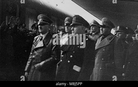 Historisches Foto des zweiten WELTKRIEGES: Hitler, Mussolini, Ribbentropp, Ciano, Starace, Bottai, Florenz, Italien - Stockfoto