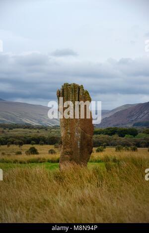 Machrie Moor prähistorischen Steinkreise. Isle of Arran, Schottland. 4000+ Jahr Kreis 3 dargestellt. 4,3M hohen - Stockfoto