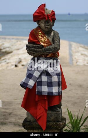 Hindu statue am Strand von Sanur Bali