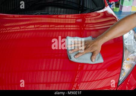 ein mann reinigung auto innenraum autoteilen oder aufbereitung konzept stockfoto bild. Black Bedroom Furniture Sets. Home Design Ideas