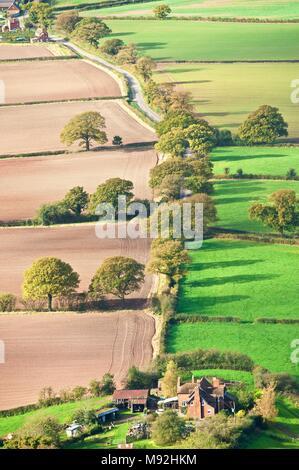 An einem hellen, trockenen Sonntag Nachmittag im Herbst, die wrekin zieht viele Wanderer. Es gibt Aussicht auf den Severn Valley und der Geburtsort von Th - Stockfoto