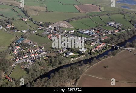 Luftaufnahme von West Tanfield in der Nähe von Bedale, North Yorkshire, Großbritannien - Stockfoto