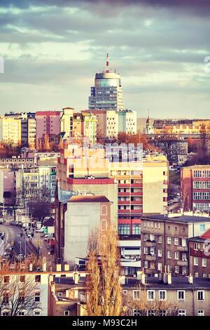 Stadt Stettin bei Sonnenuntergang, Farbe getonte Bild, Polen. - Stockfoto