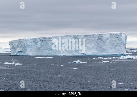 Tabellarische Eisberg im Weddellmeer, Antarktis - Stockfoto
