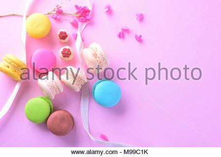 Bunte macarons oder makronen Dessert süße schön zu essen. - Stockfoto