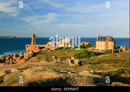 Leuchtturm Ploumanach Cote De Granit Rose Cotes-d'Armor Bretagne Frankreich - Stockfoto