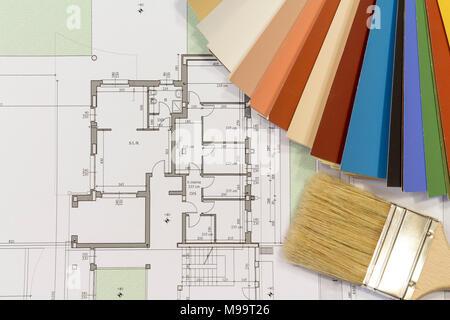 Farbkarte und Bürste mit Wohnhaus Projekt - Stockfoto