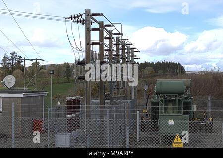 Strom Umspannwerk compound Teil der elektrischen Vertriebsnetz in West Cork, Irland - Stockfoto