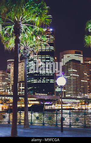 SYDNEY, AUSTRALIEN - 16. Dezember 2013: Detail des Hafens von Sydney bei Nacht