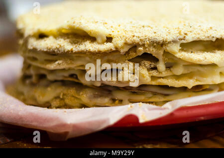 Napoleon Kuchen in der Kochvorgang - Stockfoto