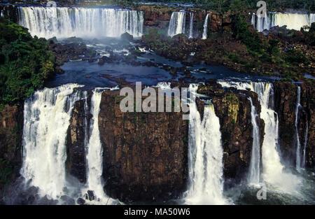 Die Iguazu Wasserfälle, Paraná, Brasilien, Südamerika - Stockfoto