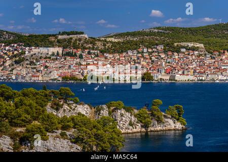 Kroatien, Dalmatien, Sukosan, Stadtblick, Krka, Sveti Ante Kanal, Blick von der Halbinsel Zablace - Stockfoto