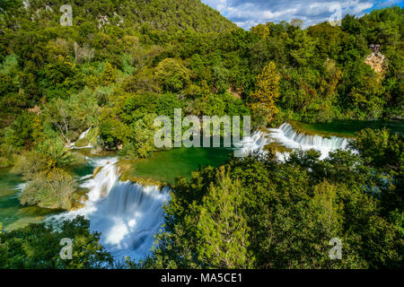 Kroatien, Dalmatien, Region von Sibenik, Krka Nationalpark, Lozovac, Skradinski buk, Wasserfall - Stockfoto