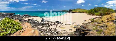 Kawakiu Nui Beach auf Molokai's West End, Hawaii, Vereinigte Staaten von Amerika, Pazifik. Fünf Bilder wurden für dieses panarama Kombiniert. - Stockfoto