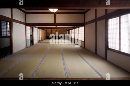Japanische Bodenmatten traditionelle japanische interieur mit tatami matten und lackiert